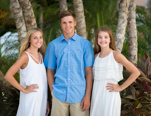 Beautiful Family in White and Blue Photo Pics